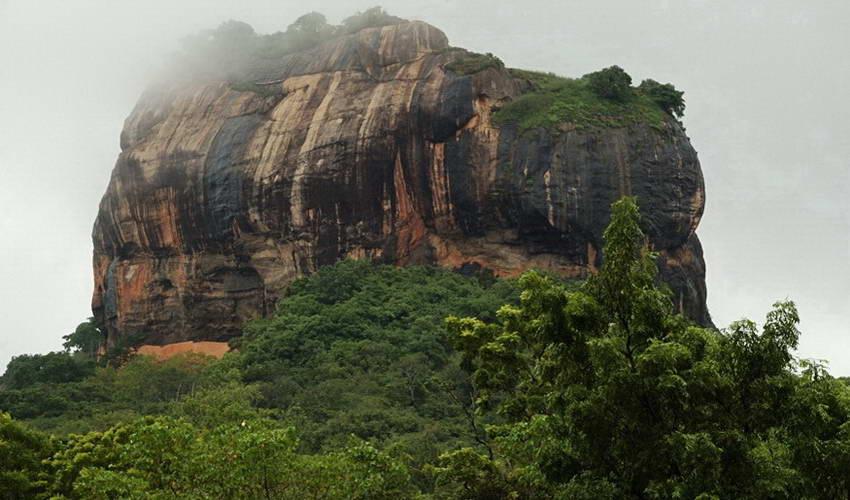 3 יעדים שחייב לבקר בסרי לנקה: קאנדי, סיגירייה ודמבולה